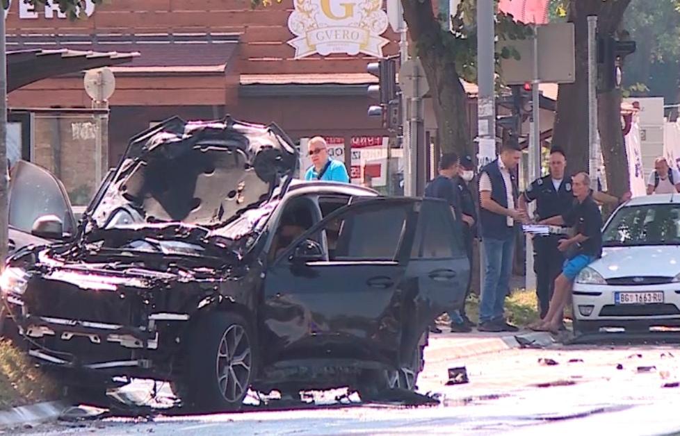 Mediji: Preminuo teško povređeni u eskploziji džipa