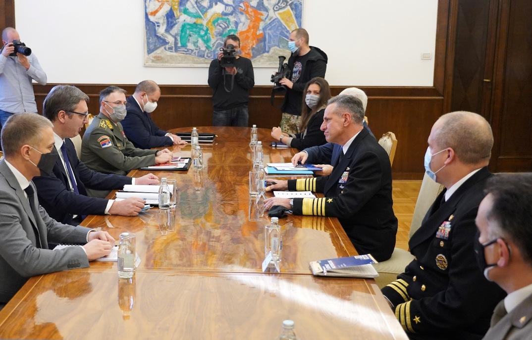 Vučić i admiral Burk razgovarali o saradnji Srbije i NATO