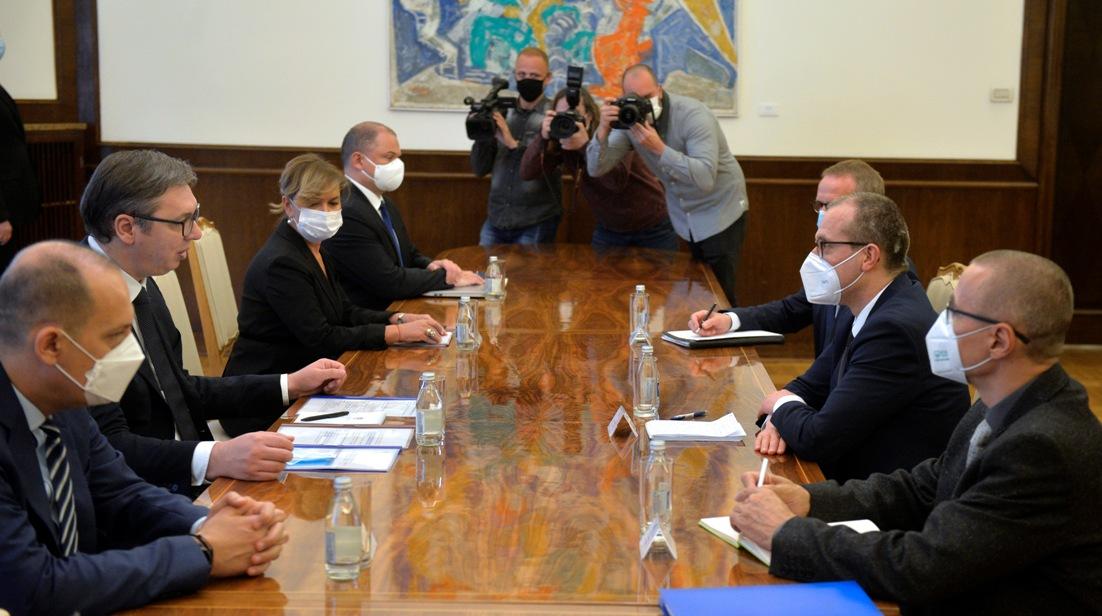 Vučić sa Klugeom: Srbija globalni lider, primer humanosti