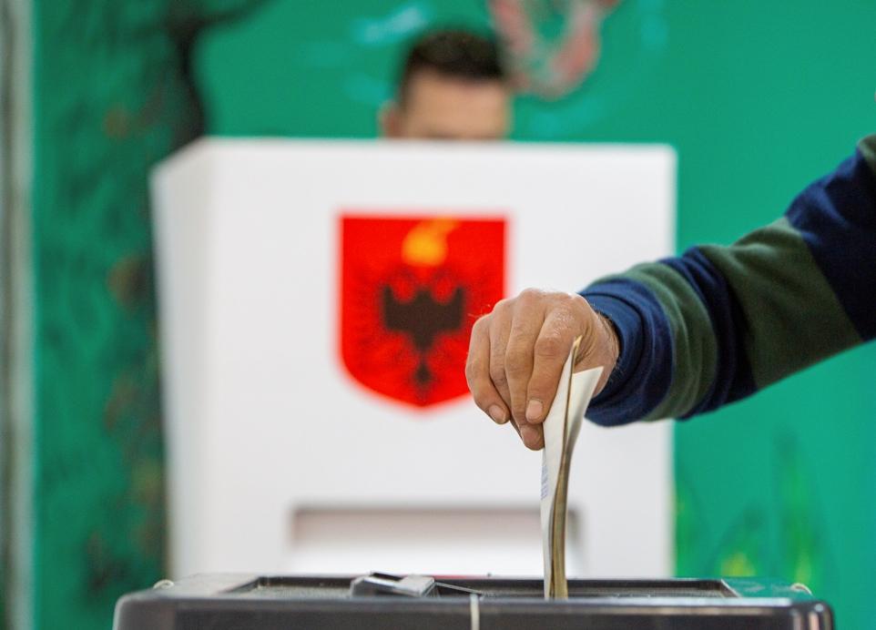 Prve izlazne ankete nakon izbora u Albaniji – tesna pobeda partije Edija Rame
