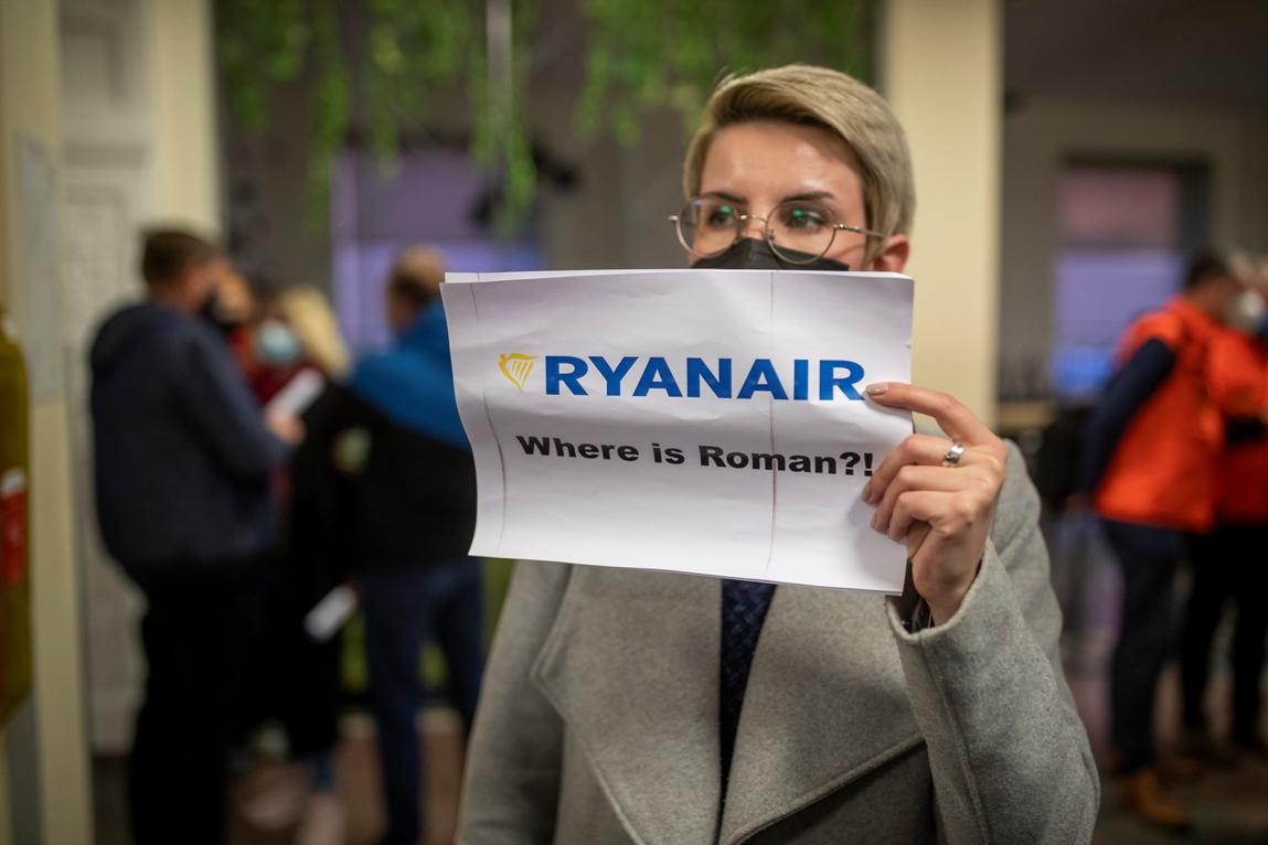 EU i SAD osuđuju prinudno sletanje aviona u Belorusiju i zahtevaju puštanje opozicionog aktiviste
