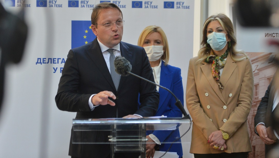 Varhelji: Vreme je da se odužimo Srbiji