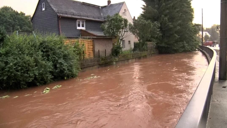 Trka sa vremenom, nastavak potrage za nestalima u poplavama u Nemačkoj