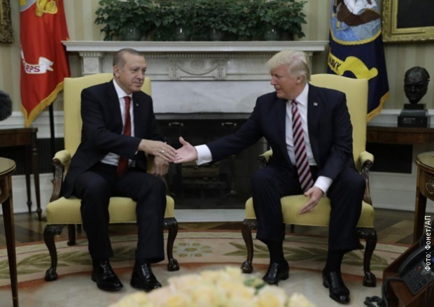 Tramp i Erdogan razgovarali o Siriji