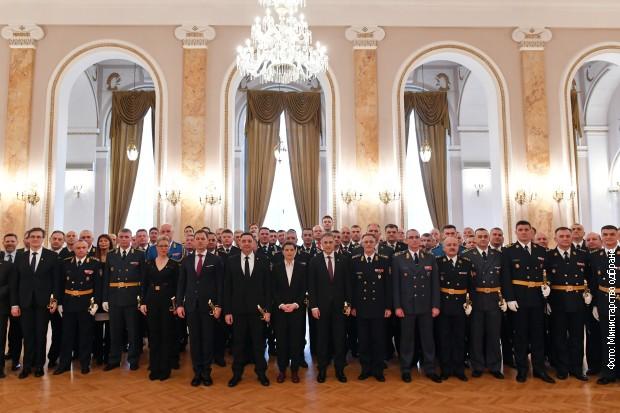 Brnabić: Ponosna sam na naš sistem vojnog obrazovanja