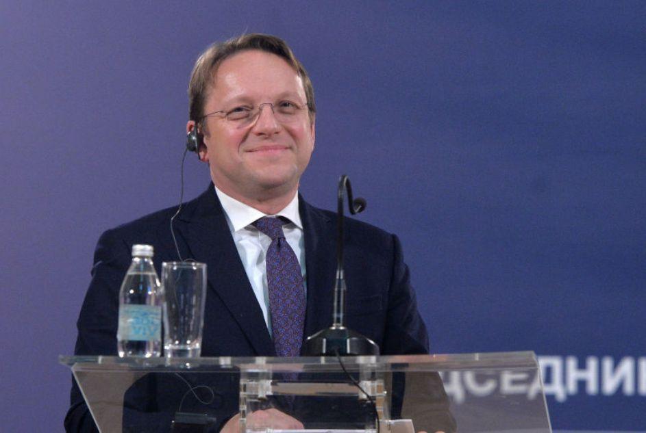 Varhelji odgovorio opoziciji: Nema potrebe za dodatnim izveštavanjem