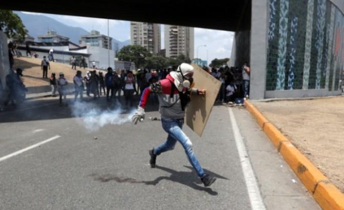 Gvaido: U protestima ubijena najmanje jedna osoba