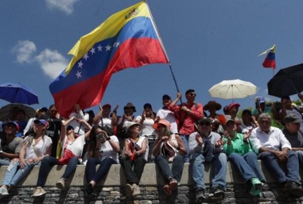 SAD razmatraju uvođenje novih sankcija Venecueli