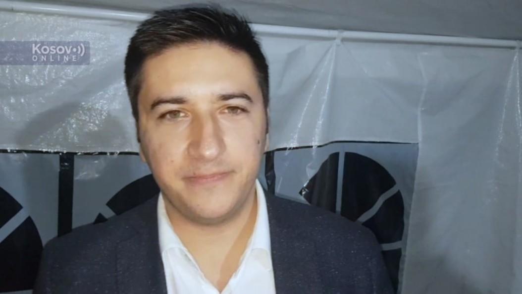 Vladislav Dajković posetio Srbe na Jarinju i poručio: Niste sami, izdržite