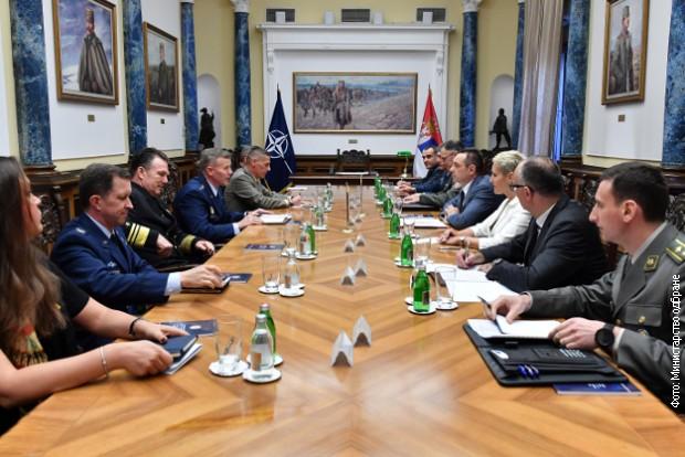 Vulin i Mojsilović sa Voltersom o političko-bezbednosnoj situaciji u regionu