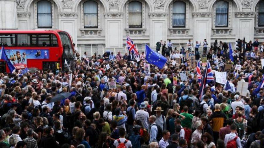 Više od pola miliona za peticiju, protesti širom Britanije
