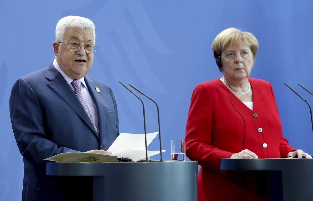 Merkel i Abas podržali napore za postizanje prekida vatre