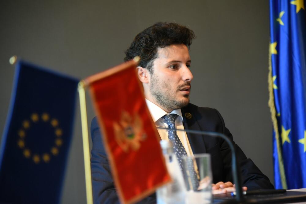 Abazović: Tražimo podršku međunarodne zajednice