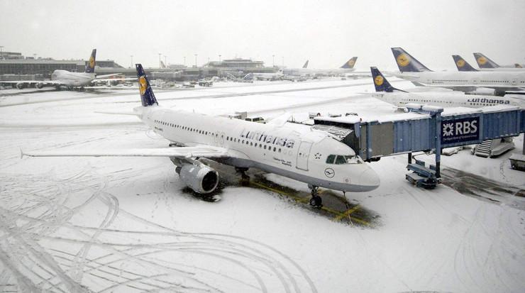 Otkazani letovi iz Beograda i Beča, iz Stokholma preusmeren