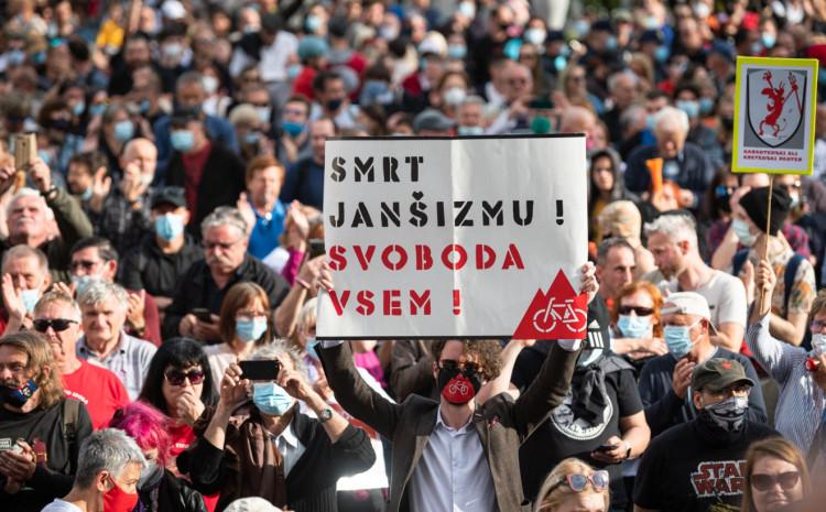 Protesti u Ljubljani protiv vlade Janeza Janše