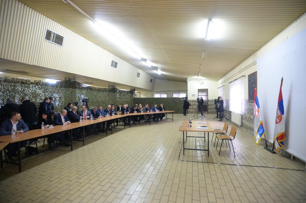 Vučić u Raški sa predstavnicima Srba sa Kosova i Metohije
