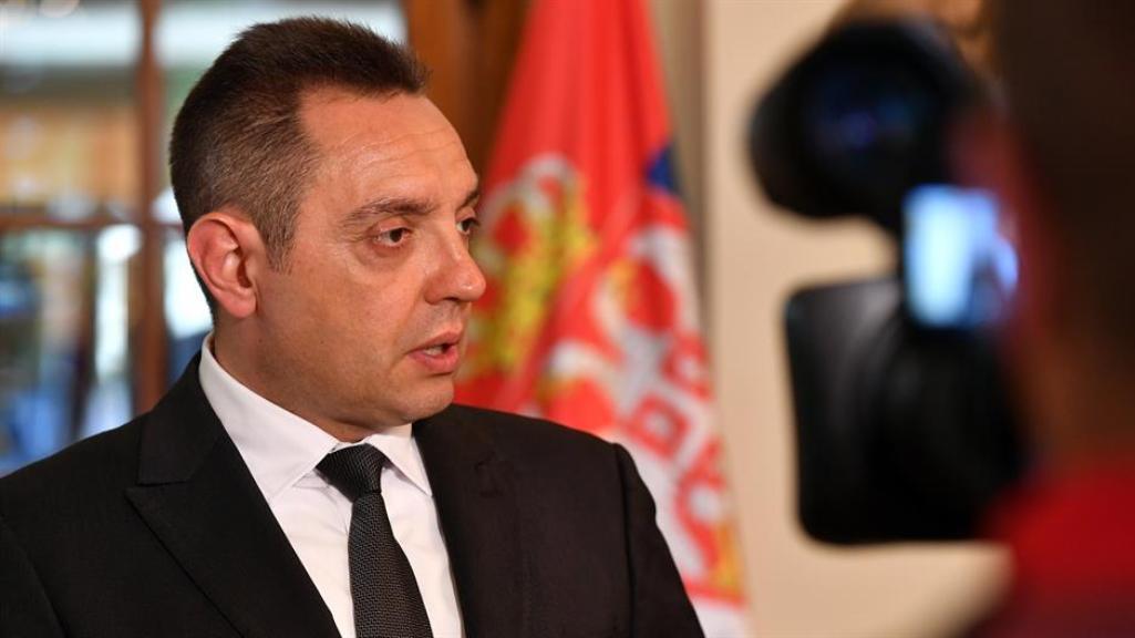 Vulin: Ne može se prisluškivati predsednik Vučić a da u tome nema zle namere
