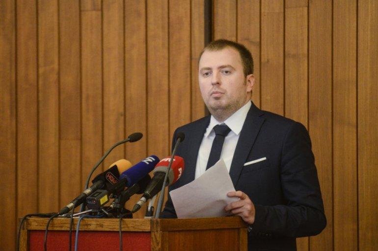 Mirković: Najoštrija osuda napada na Vučića i porodicu