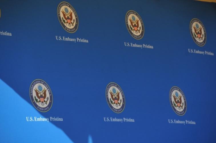 Ambasada SAD u Prištini: Virus ne zna za granice, politika u stranu