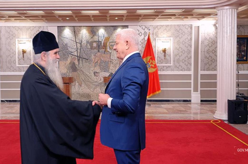 Počeo sastanak mitropolita Amfilohija i premijera Crne Gore