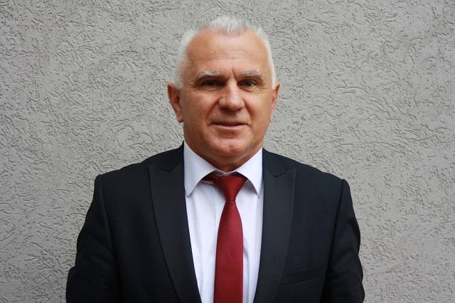 Kosovska Mitrovica: Arlov u poseti porodici Vuković koja ima devetoro dece