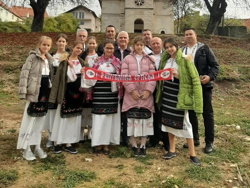 Deca iz Velike Hoče u poseti pravoslavnom hramu u Livnu