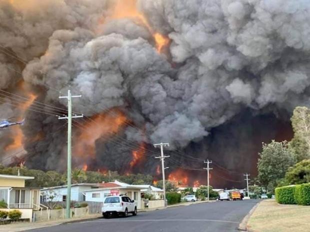 U Australiji besne požari, Sidnej u dimu