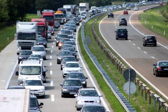 AMS S: Pojačan intenzitet saobraćaja, potreban oprez