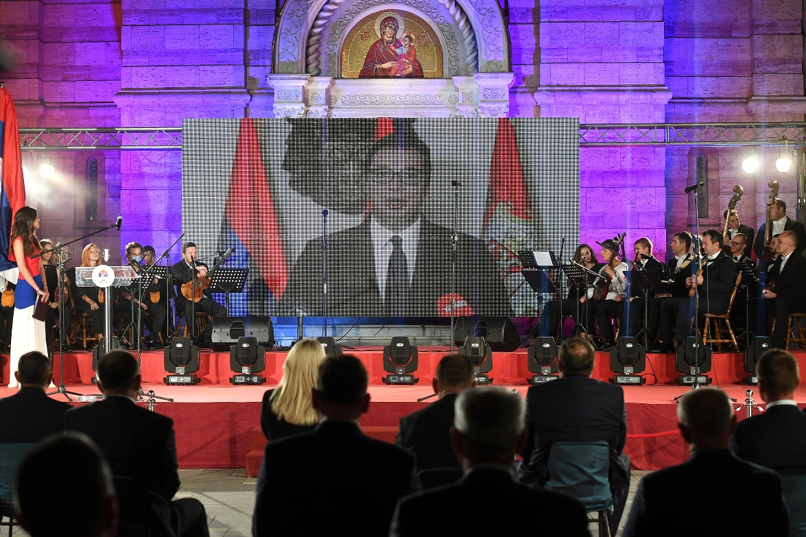 Vučić: Srbi se političkim sredstvima moraju boriti za slobodu
