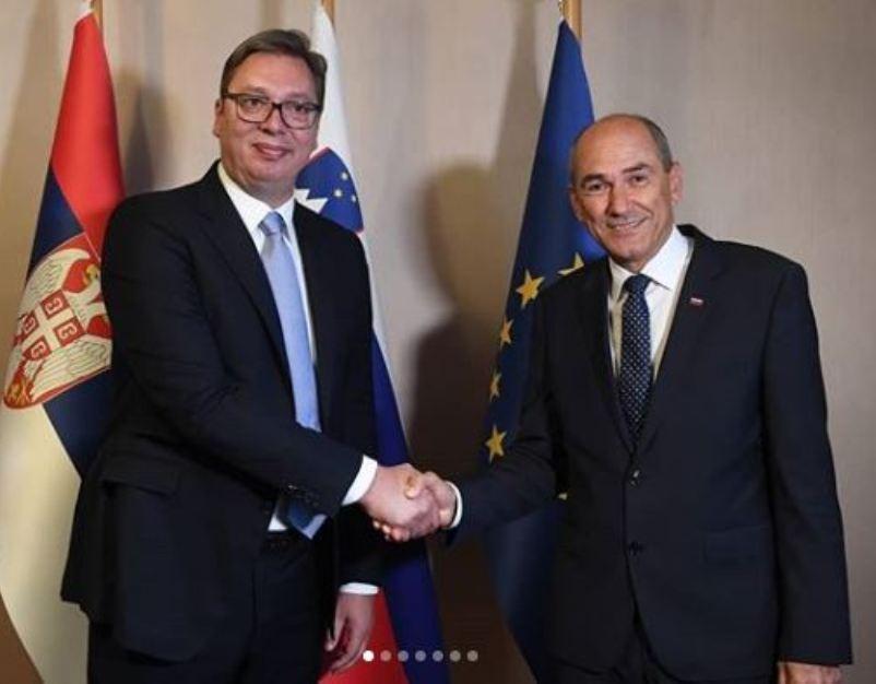 Vučić se na Bledu sastao s premijerom Slovenije Janšom