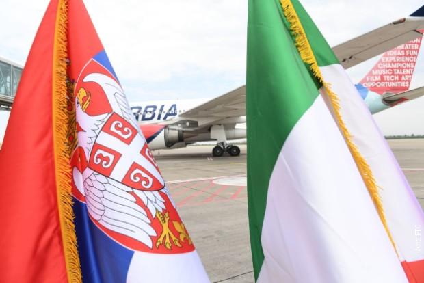 Srbija šalje pomoć Italiji, avione sa opremom ispratio Vučić