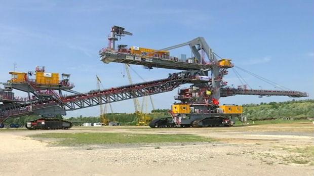 Obustavljen saobraćaj na Ibarskoj magistrali zbog prolaska rudarskog bagera