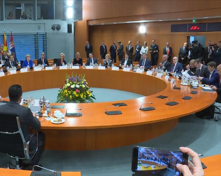 Reakcije na Samit u Berlinu: Hladan tuš za nade Balkana, zamire ideja o razmeni teritorija