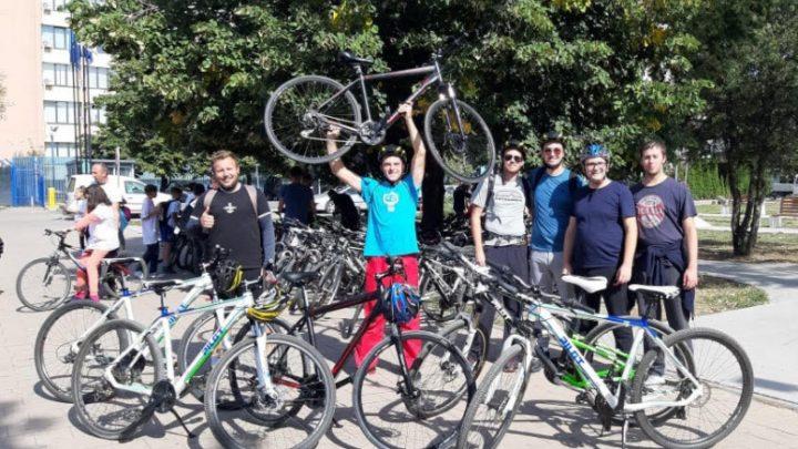 Vožnjom bicikala do Prištine obeležili Svetski dan bez automobila