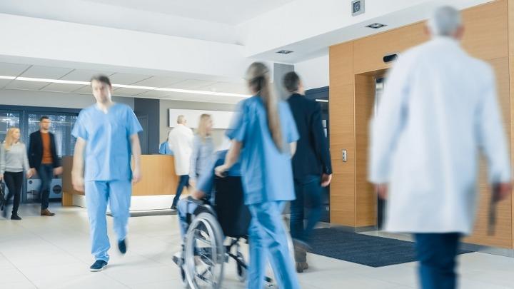Pacijent pretukao medicinsku sestru u niškoj kovid-bolnici