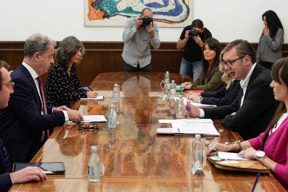 Vučić sa Bramercom o ukidanju tajnosti optužnica između Srbije i BiH