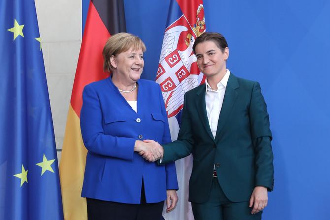 Merkel čestitala premijerki Brnabic na reizboru