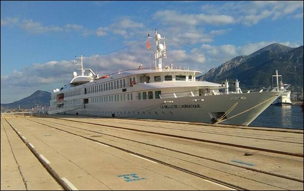 Tri broda NATO u utorak uplovljavaju u Split