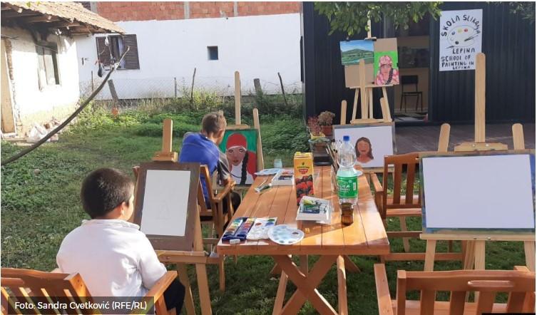 Deca iz srpske, romske i albanske zajednice crtaju u Lepini kraj Prištine