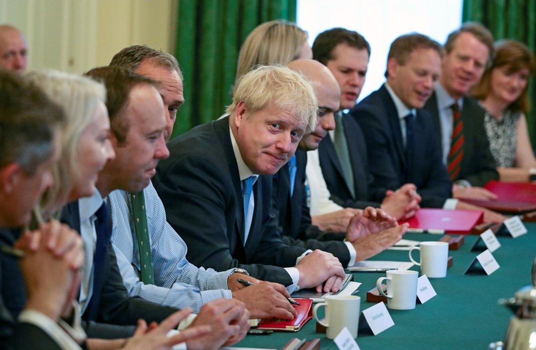 Prvo obraćanje Borisa Džonsona članovima kabineta