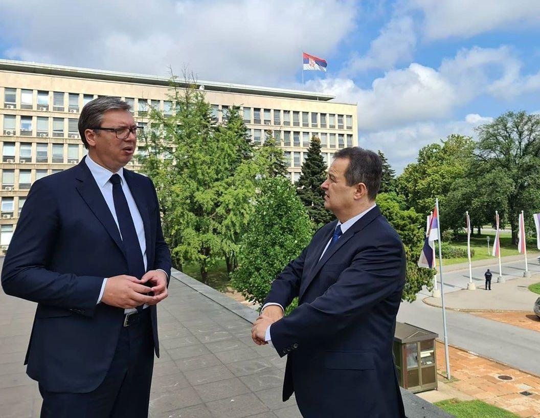 Vučić sa Dačićem o sastancima u SAD i Briselu