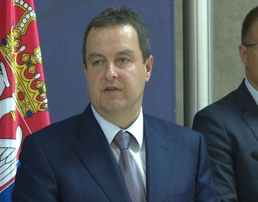 Dačić: Dvoje građana Srbije zdravi, stižu komercijalnim letom