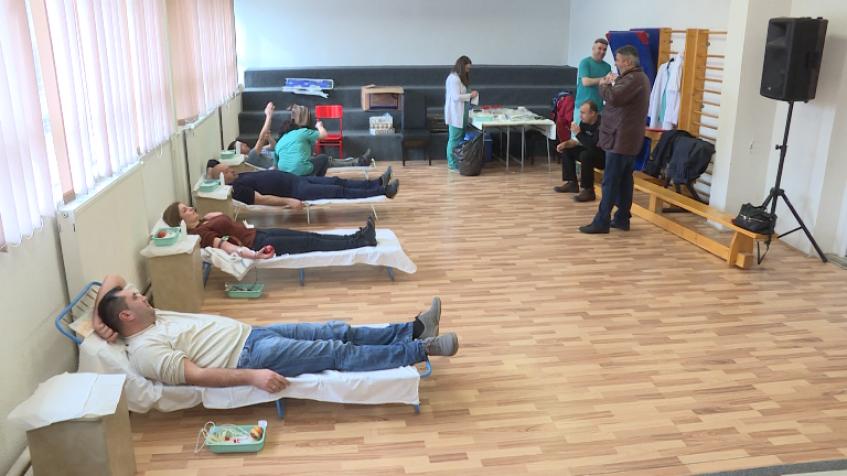 Dobrovoljno davanje krvi u znak zahvalnosti humanitarcu Arnou Gujonu