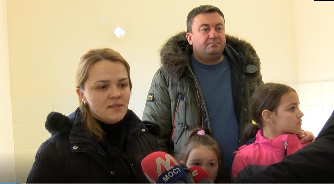 Todosijević uručio ključeve nove kuće porodici Jovanović u Banovom Dolu