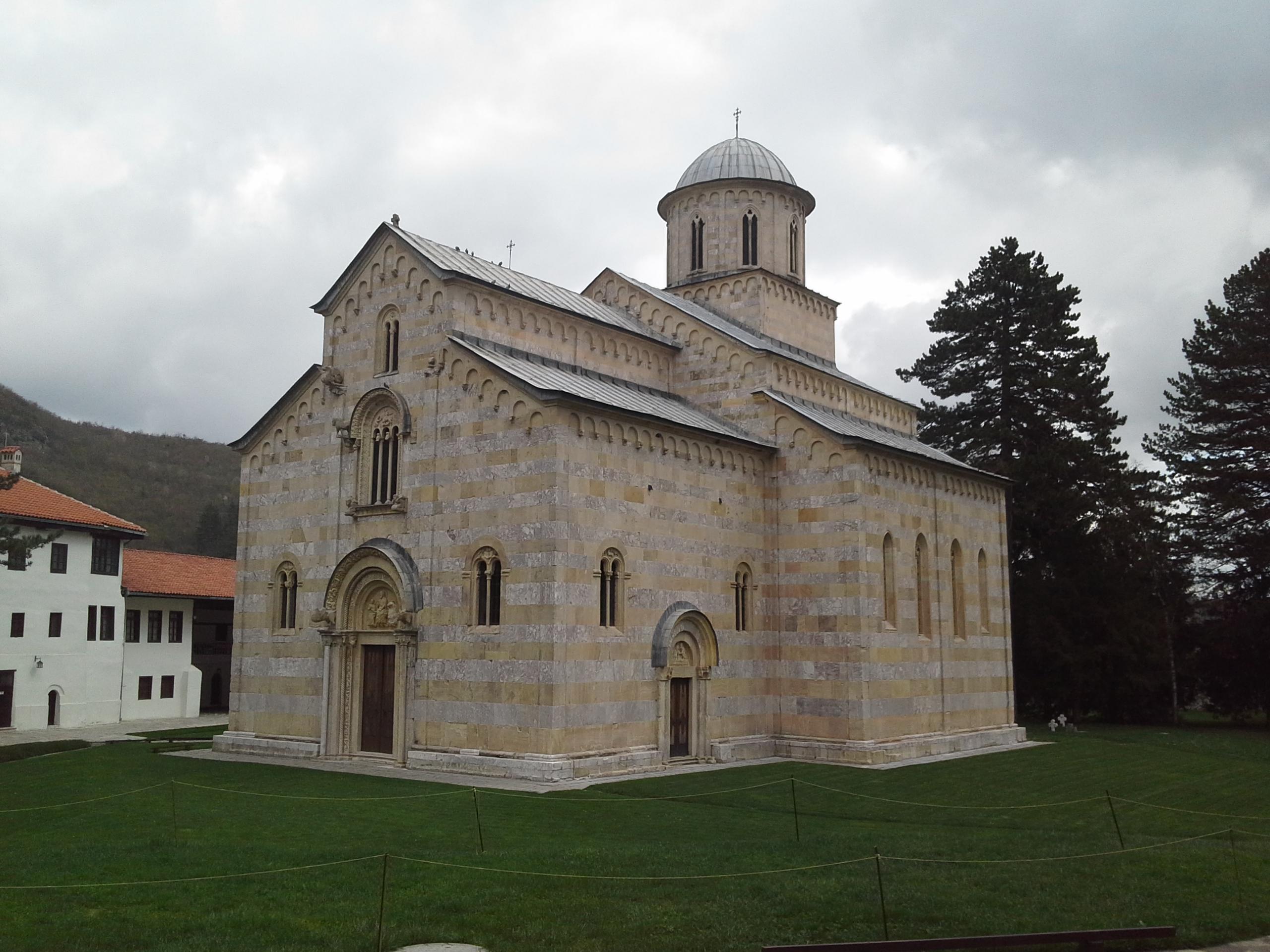 Srpsko srednjovekovno nasleđe na KiM je neotuđivo, svaki kamen svedoči