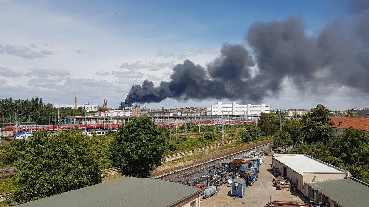 Crni dim nad Berlinom, gori skladište od 5.000 kvadrata