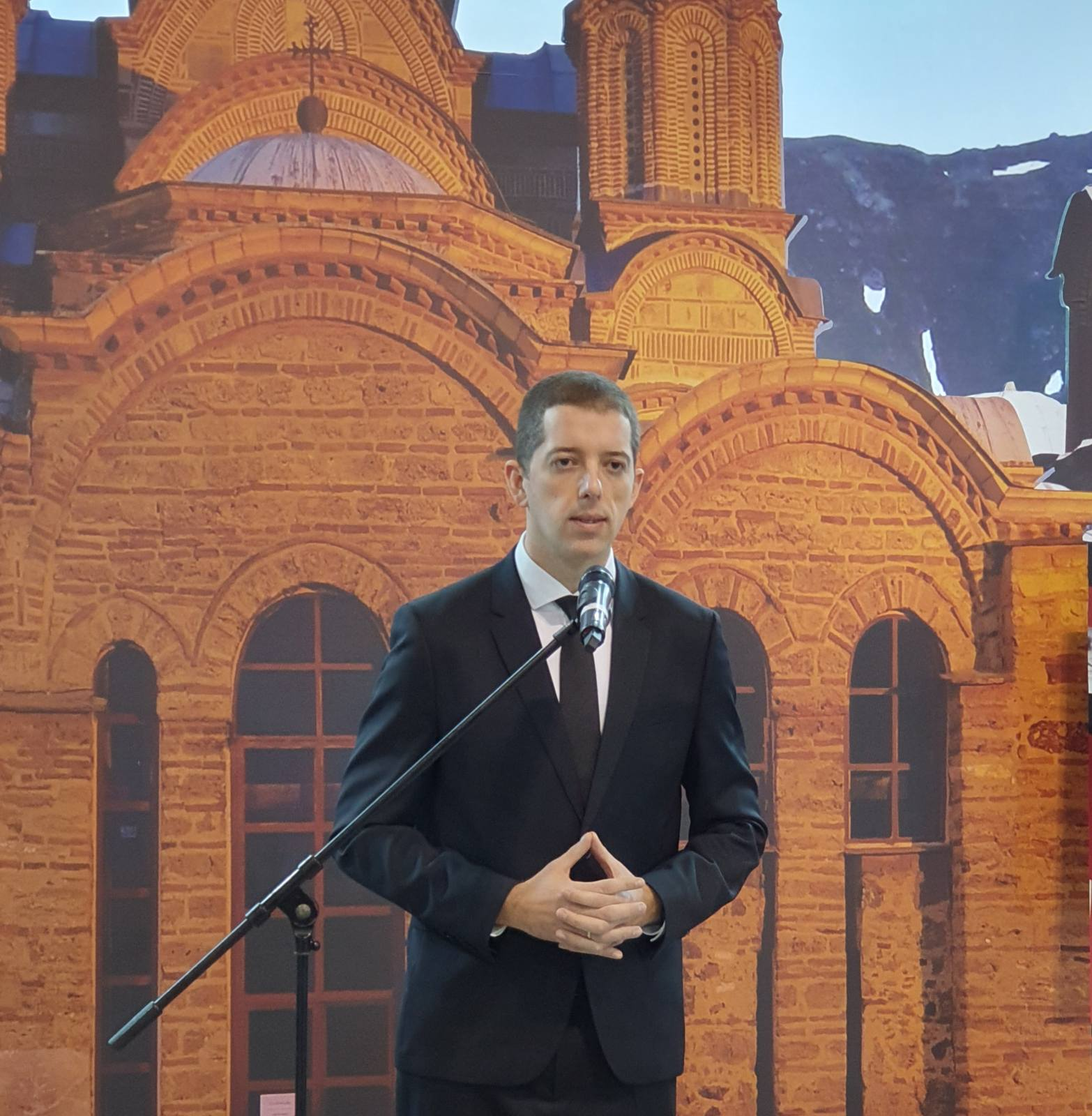 Đurić posetio štand Kancelarije za KiM na Sajmu turizma