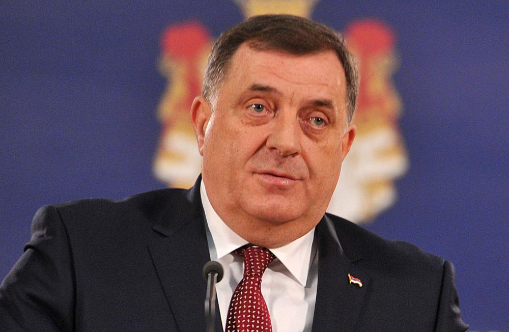 Dodik: Makron priznao da je BiH opasnost za EU