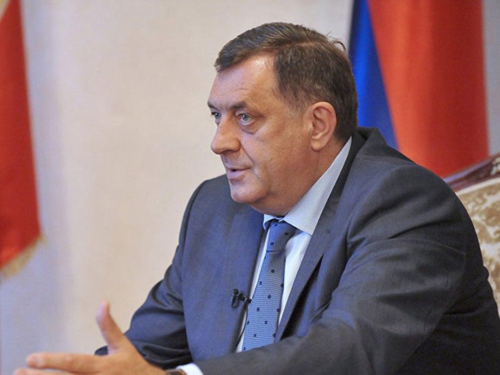 Dodik: Ustavni sud se ponasa neustavno, Šmit za RS ne postoji