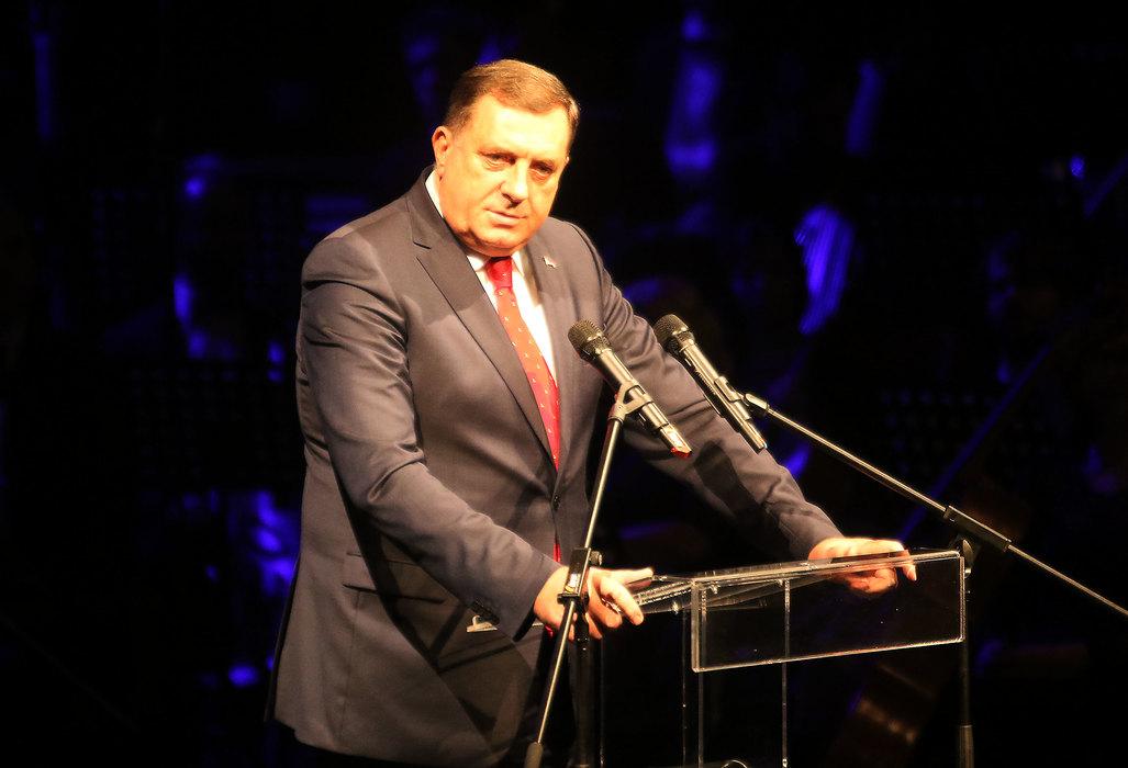 Dodik: Niko se ne može igrati Republikom Srpskom